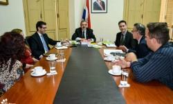 Ministro recibe a directores de las bienales de Asunción, Curitiba y La Habana