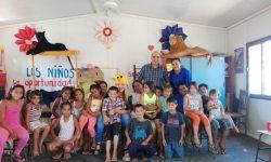 Cuentos de Navidad llega a niños del Centro Recreativo y Cultural de Cateura imagen