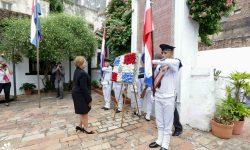 Nuevos embajadores realizaron ofrendas florales en la Casa de la Independencia imagen