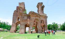 Ministro Capdevila verificó estado de sitios históricos del departamento de Ñeembucú imagen